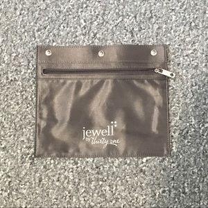 Thirty One Jewell Zipper Pocket